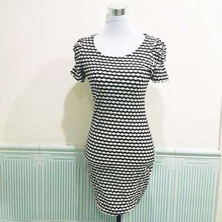 F21 black and white dress