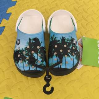 authentic crocband graphic clog