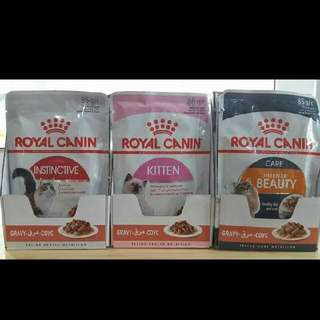 Royal Canin wet food pouch