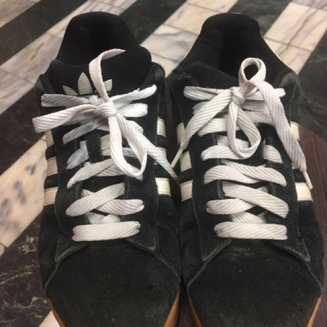 愛迪達板鞋
