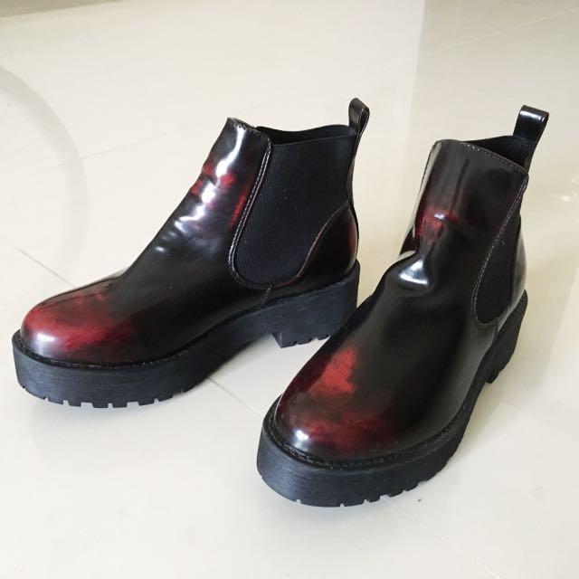 女鞋出清✨歐美亮面漆皮酒紅色漸層暈染渲染短靴
