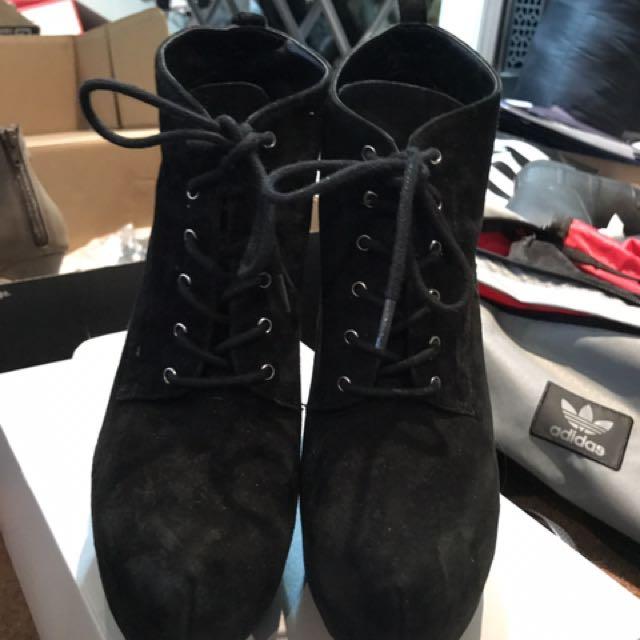 Aldo boot heels