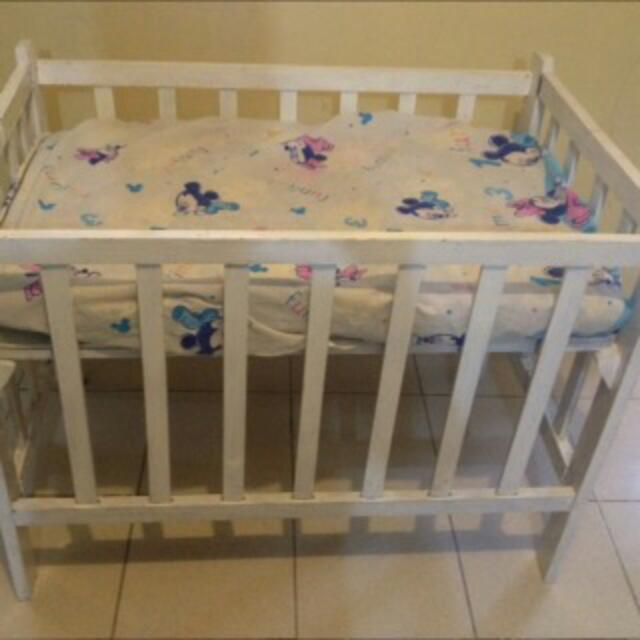Baby White Crib With Mattress