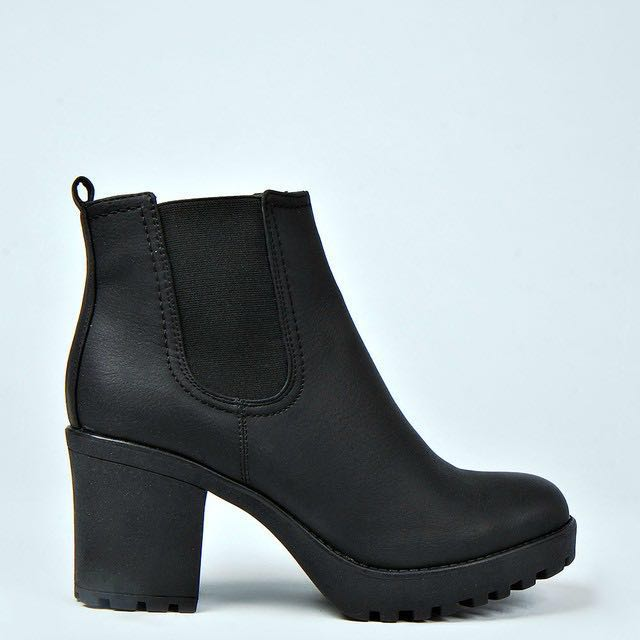 Black Chunky boots in size 37-37.5