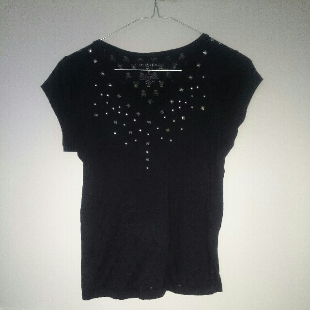 Black T-shirt with skulls and silver studs