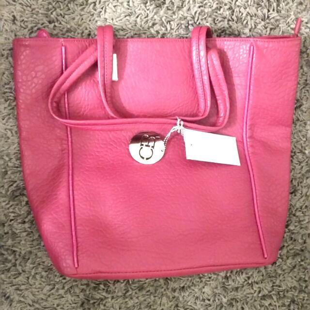 Brand New pink CHARLIE BROWN handbag