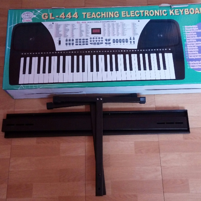 Electronic Organ with stand