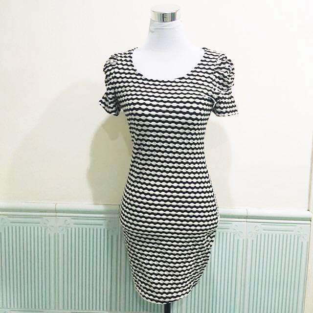 F21 black and white dress