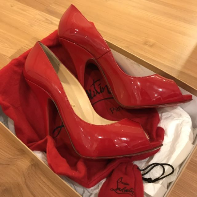 Loubutin size 39 (only box and shoes)
