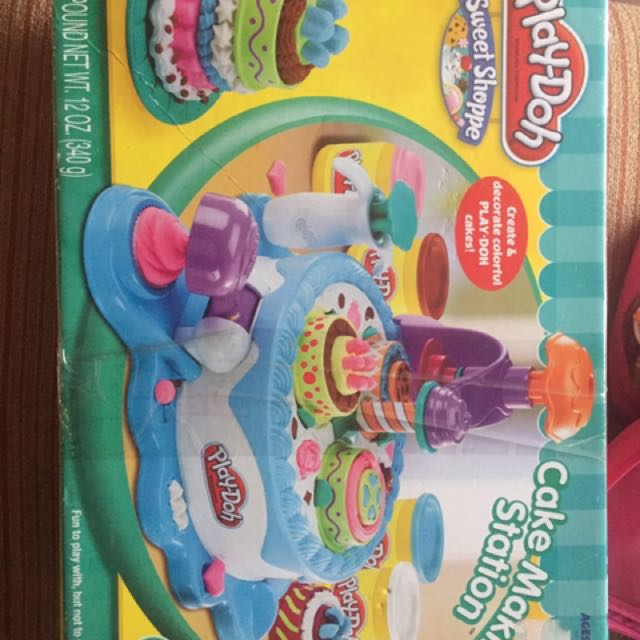 Play doh cake makin station
