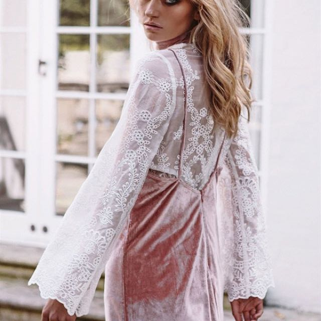 Saboskirt Sheer Lace Top