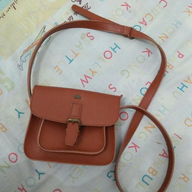 Small Bag.  20x25cm. Tali Agak Panjang.