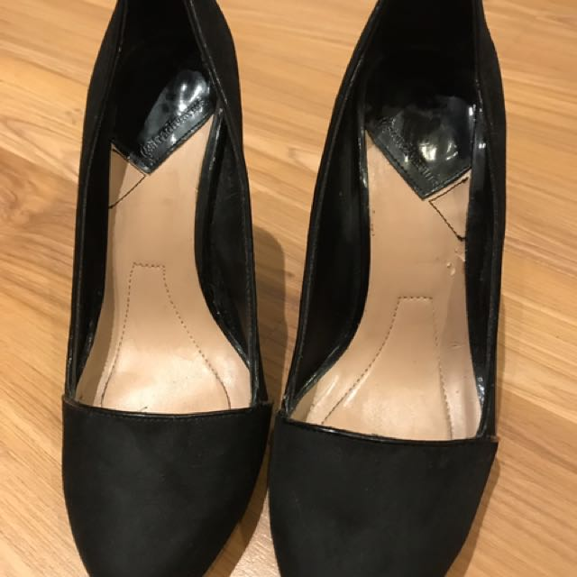 Stradivarius heels sz 39