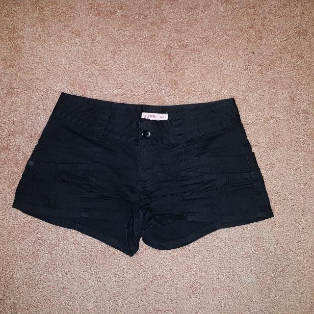 Supre Xxs Black Shorts 4 Pockets.