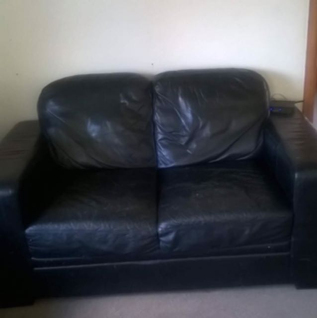Three Seater & 2 Seater Leather Couch (Black)