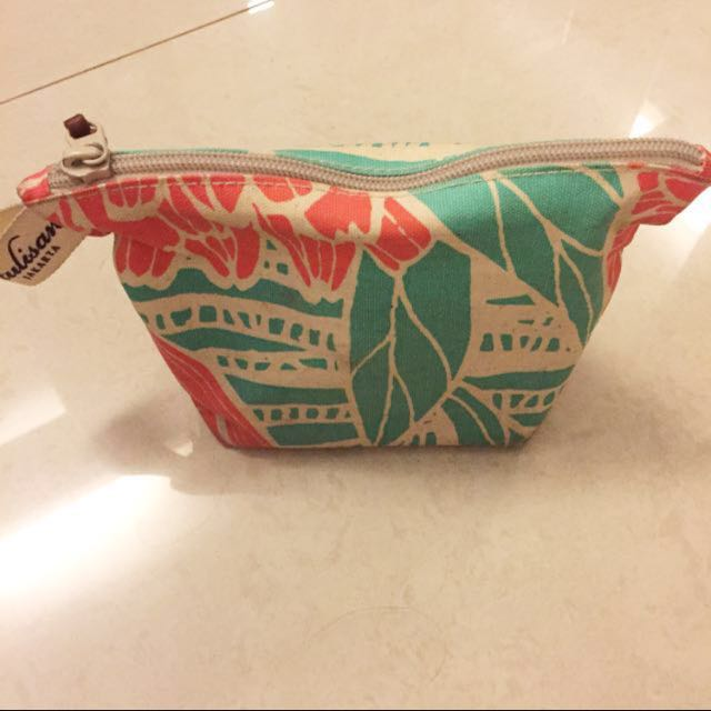 Tulisan pouch