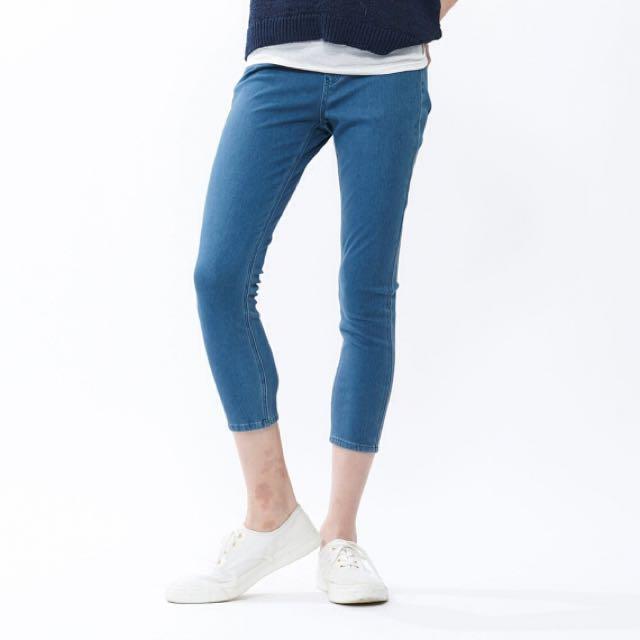 Uniqlo Denim Cropped Leggings Pants
