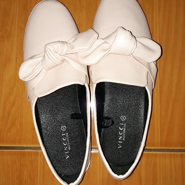 VINCCI Shoes New