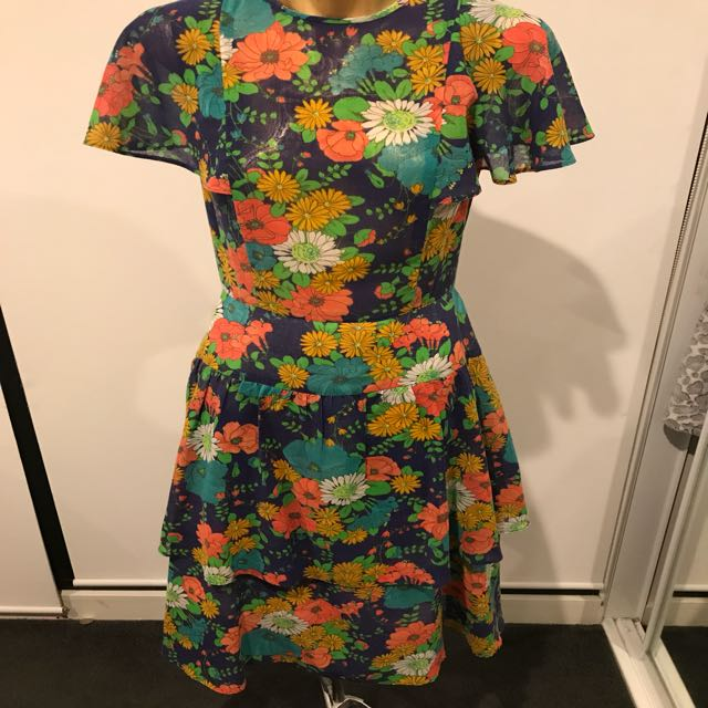 Vintage floral dress - size 8