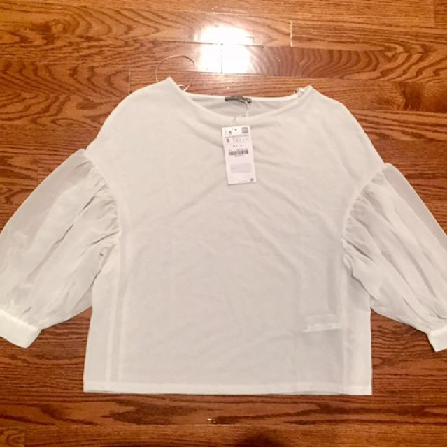 White puff sleeve top from Zara