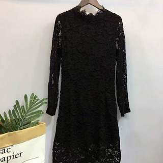 黑色厘士連身裙,不用打底,通花袖。