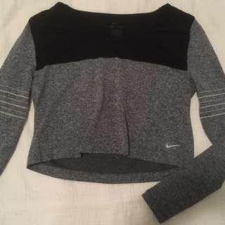 Cropped Nike Long Sleeve