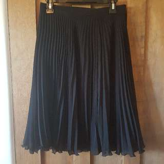 skirt-pleated-black-size 8