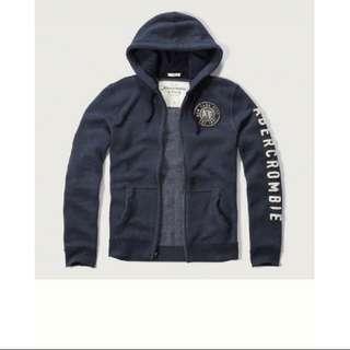 A&F Abercrombie & Fitch 深藍側字貼布連帽外套