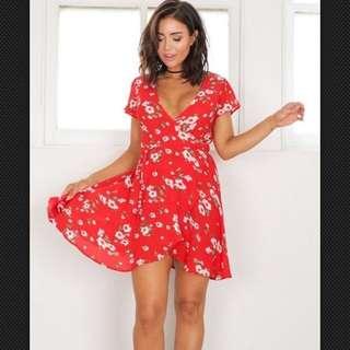 Ladies Floral Dress Size 12 - Wrap Dress