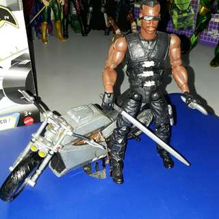 Toybiz Loose Blade with Bike & 2 accessories