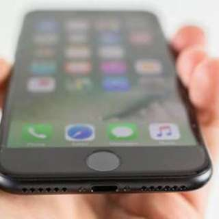Iphone 7 (128 GB, in good condition- negotiable)