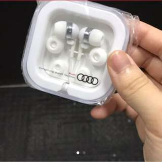 Audi 奧迪汽車 耳機 earphone 可議 HK$ 300
