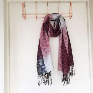 Pink scarf brand net