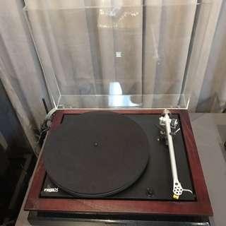 Rega P25 Turntable with AT91 cartridge