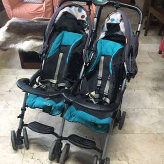 Combi Savvy E Twin Side by Side Stroller
