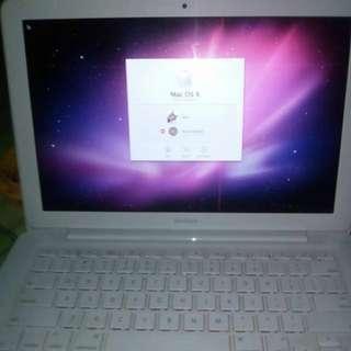 REPRICED Macbook White 2009