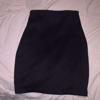 TIGHT BLACK SUPRE SKIRT