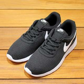 Sepatu Running Lari Nike Tanjun Original 812654-011