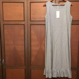 NICE CLAUP vertical striped sleeveless dress