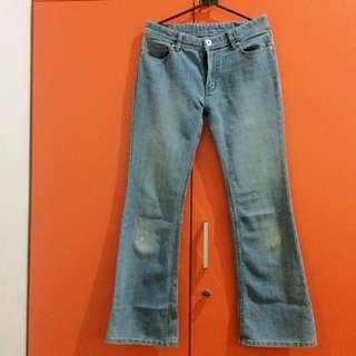 Bottom flare jeans