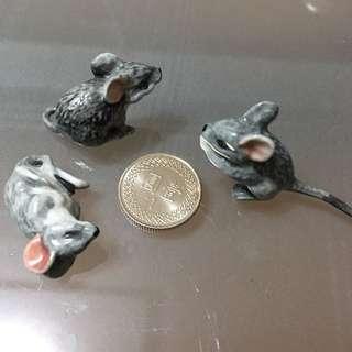 日本買的 精緻骨瓷咬錢鼠三隻