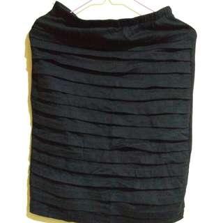 pencil skirt - hitam