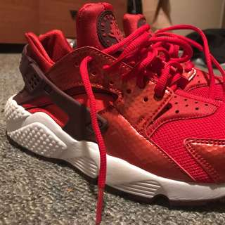 Red Nike Huaraches