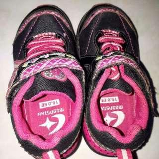 Girl Eunning Shoes