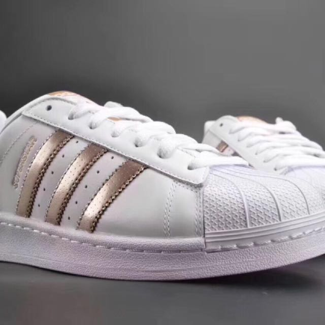 online store fc1a8 1a2a6 Adidas Rosegold Superstar, Women s Fashion, Shoes on Carousell