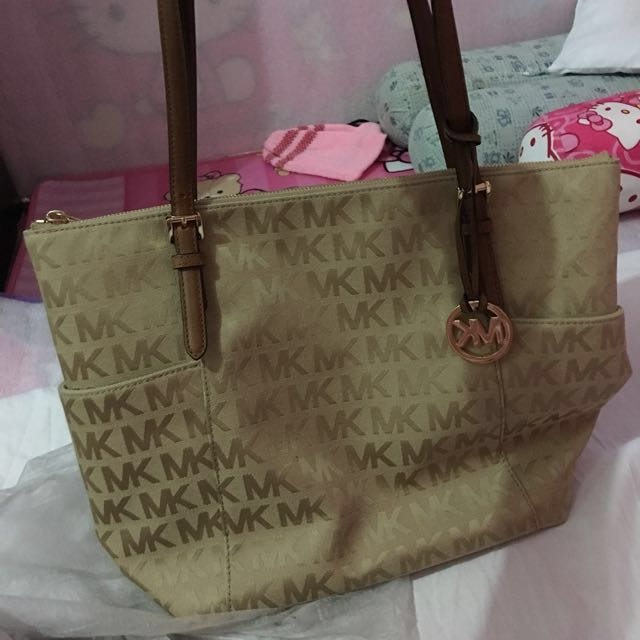 Authentic Mk jetsetter carry all tote bag