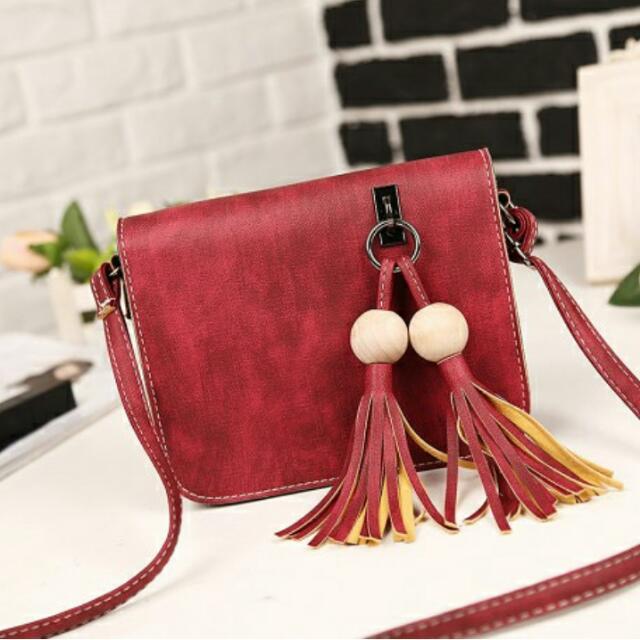 Ava Sling Bag