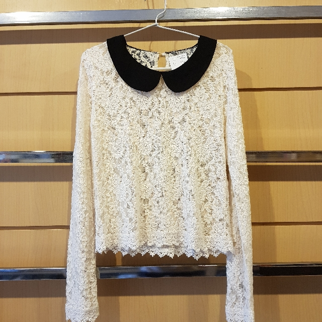 Creme Lace Long Sleeved Top