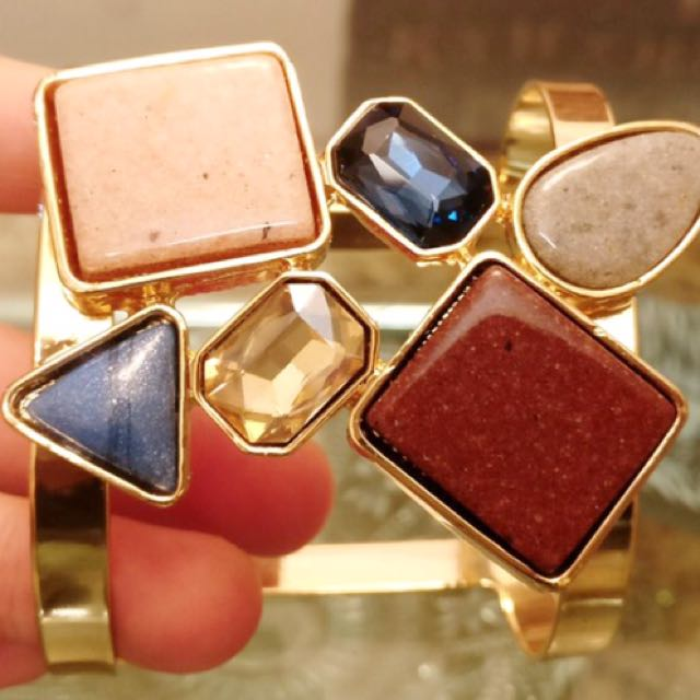 Cuff bracelet crystal stone. Elegant stuff