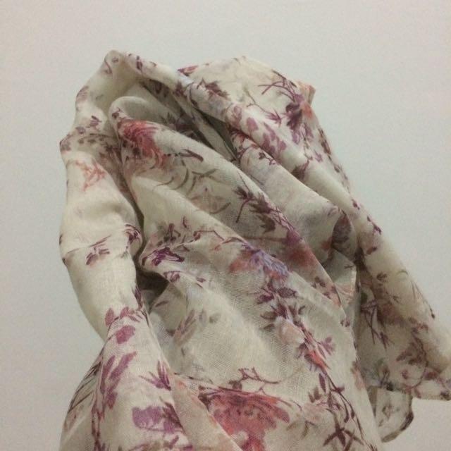 Hijab pashmina Pink Putih
